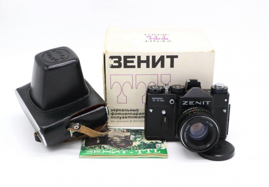 Зенит ТТЛ комплект в упаковке (СССР, 1982)