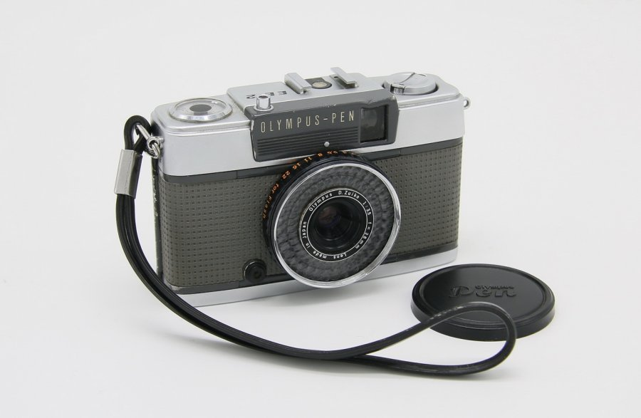 Olympus-Pen EE-2 (Japan, 1972)