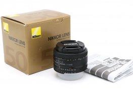 Nikon 50mm f/1.8D AF Nikkor в упаковке