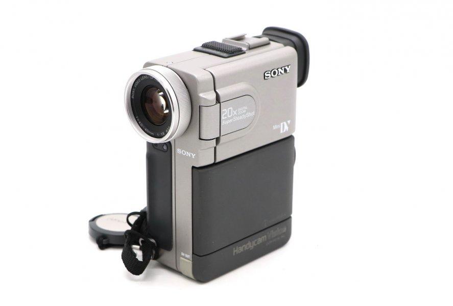 Видеокамера Sony DCR-PC7E