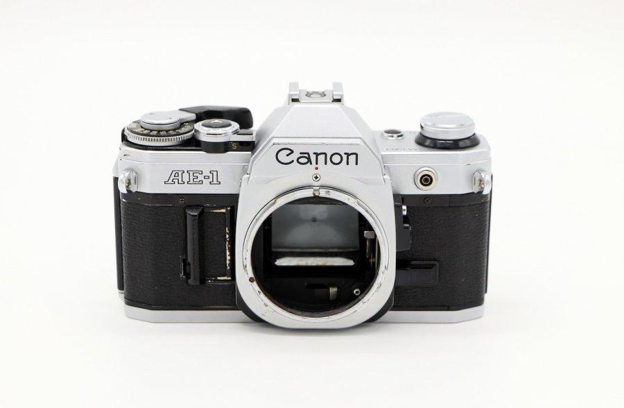 Canon AE-1 body (Japan, 1980)