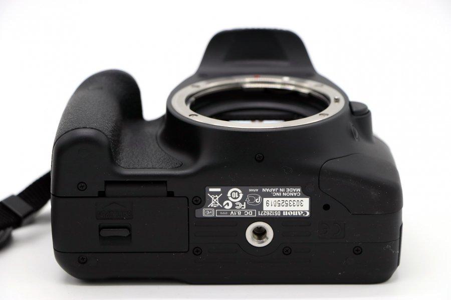 Canon EOS 550D body в упаковке
