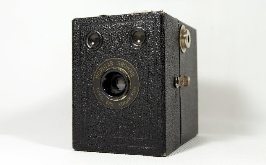 Kodak Brownie Popular (UK, 1938)
