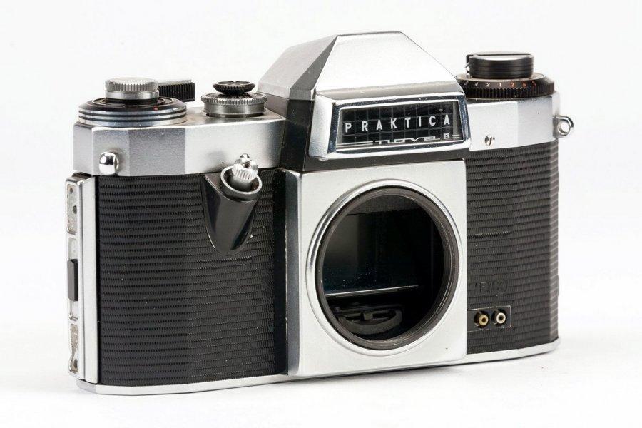 Praktica Nova B body M42 (Germany, 1966)