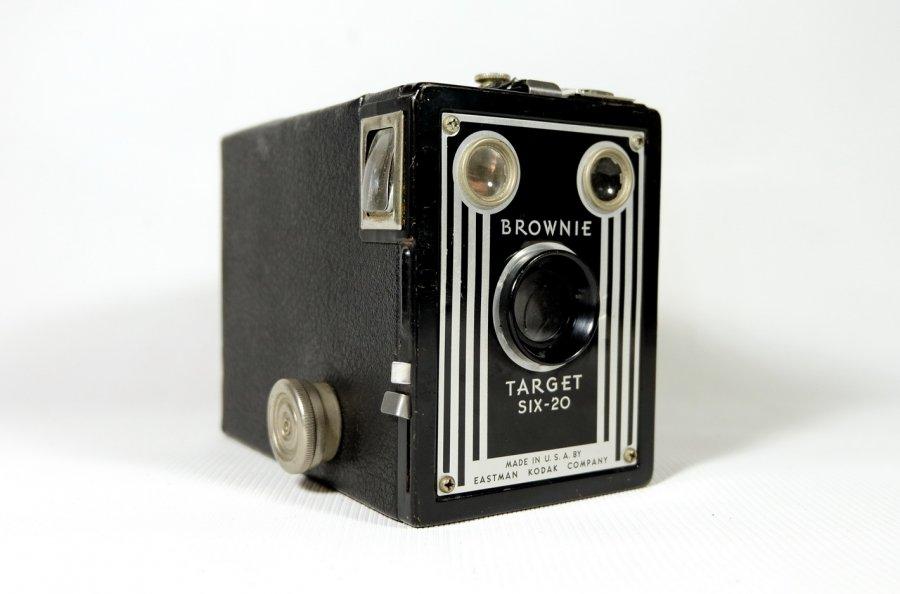 Kodak Brownie Target six-20 (USA, 1947)
