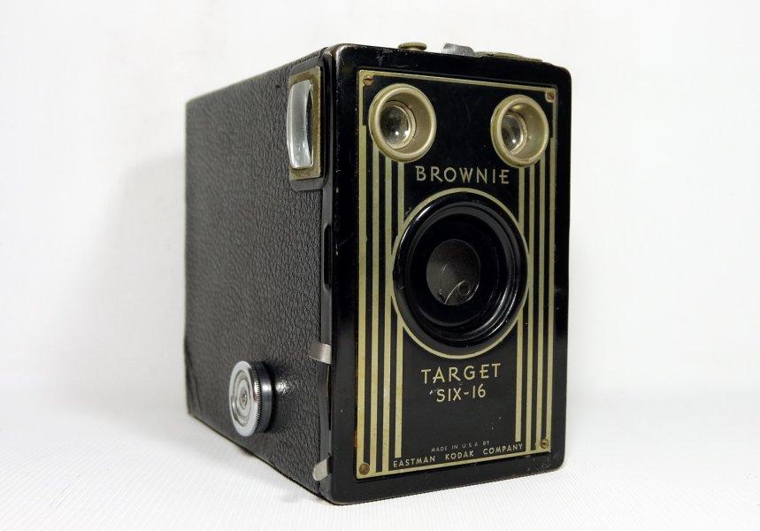 Kodak Brownie Target six-16 (USA, 1946)