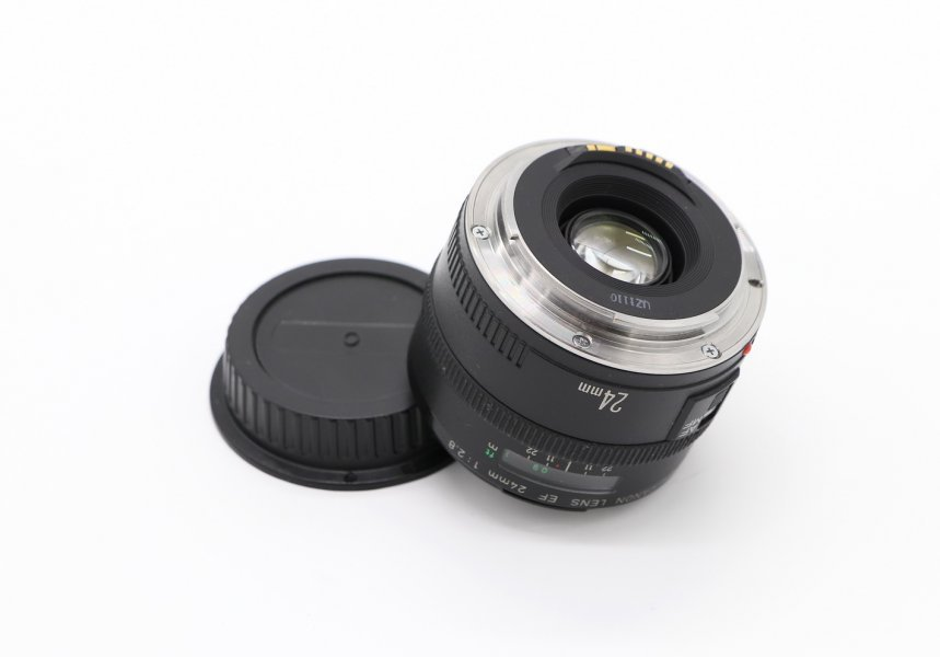 Canon EF 24mm f/2.8