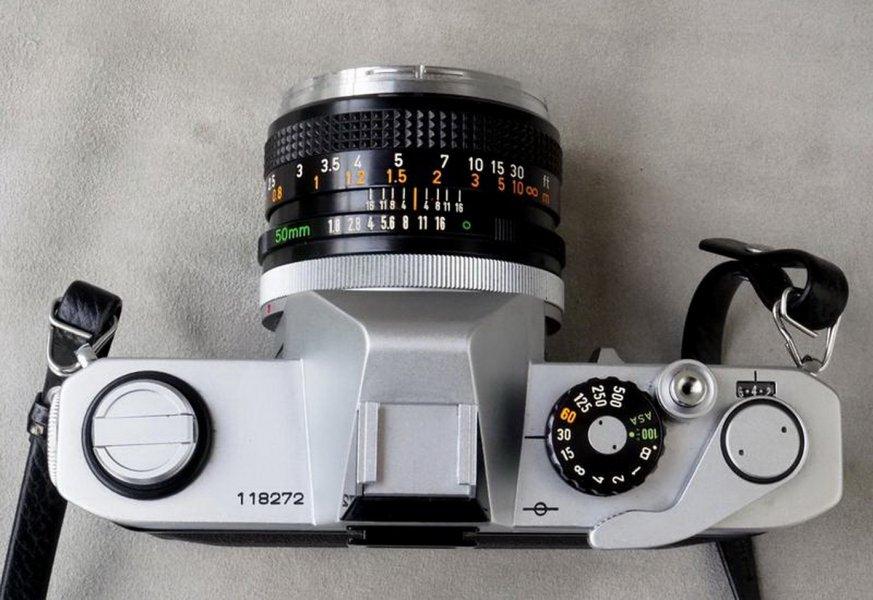 Canon TLb + Canon FD 1.8/50mm (Japan, 1976)