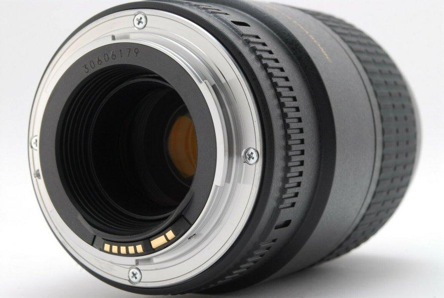 Canon EF 100mm f/ 2.8 Macro USM