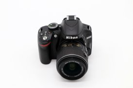 Nikon D3200 kit (пробег 4134 кадра)