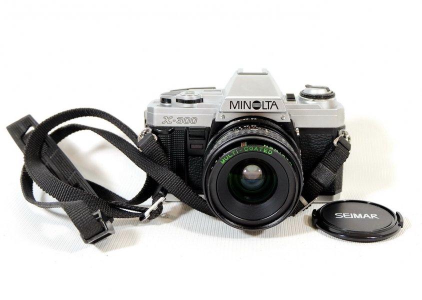 Minolta X-300 kit (Japan, 1989)