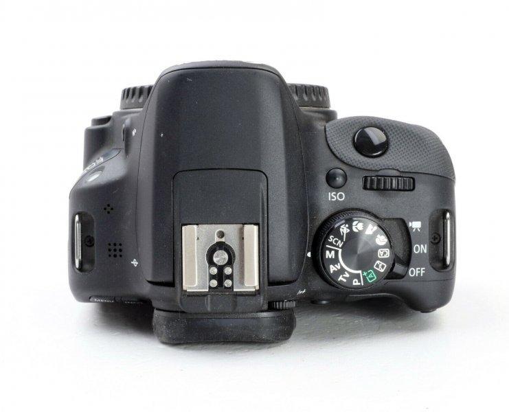 Canon EOS 100D body как новый (пробег 700 кадров)