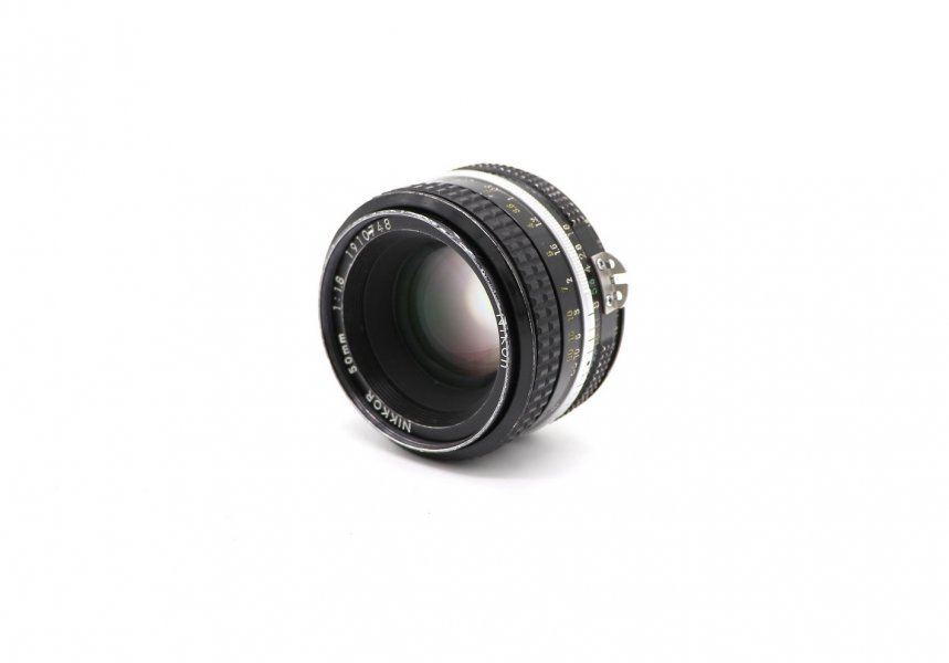 Nikon 50mm f/1.8 Nikkor