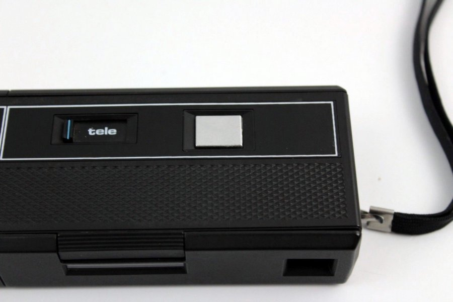 Halina STB flashmatic 110 tele (Hong Kong, 1975)