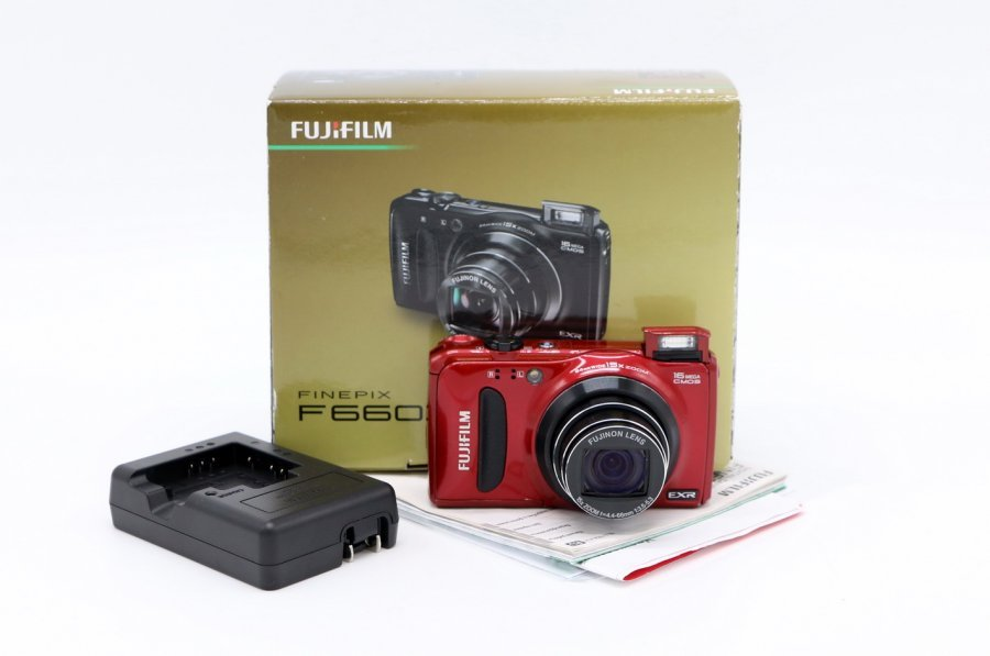 Fujifilm FinePix F660EXR red