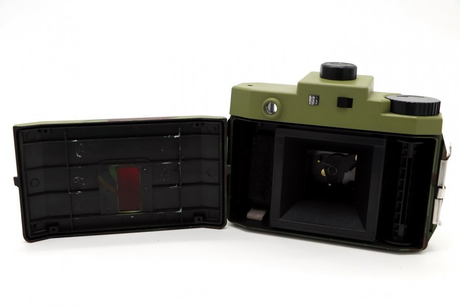 Holga 120 GCFN в упаковке