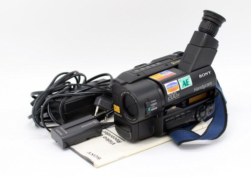 Видеокамера Sony CCD-TR412E