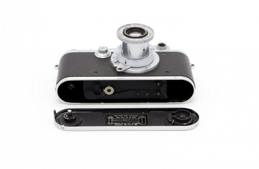 Leica IIIa + Elmar 3.5/50mm (Germany, 1938)
