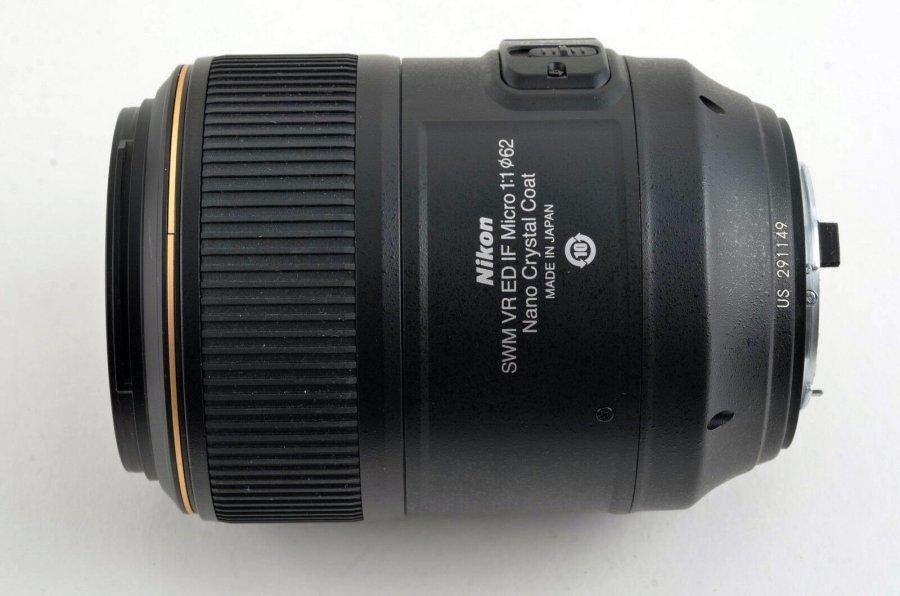 Nikon 105mm f/2.8G AF-S IF-ED VR Micro-Nikkor