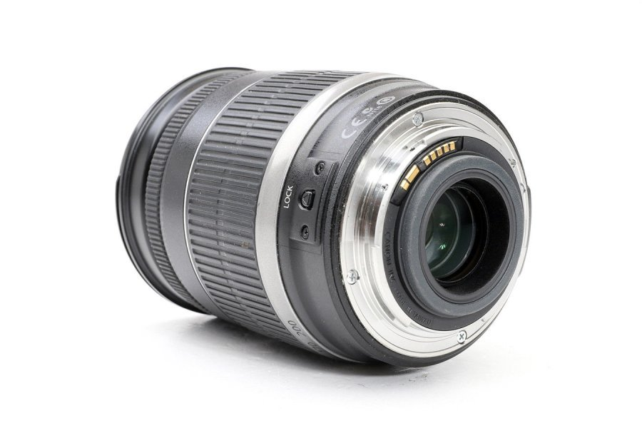 Canon EF-S 18-200mm 3.5-5.6 IS в упаковке