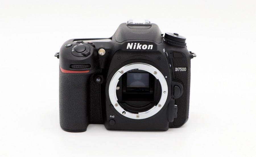 Nikon D7500 body новый