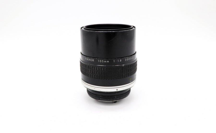 Nikon 105mm f/1.8 Nikkor