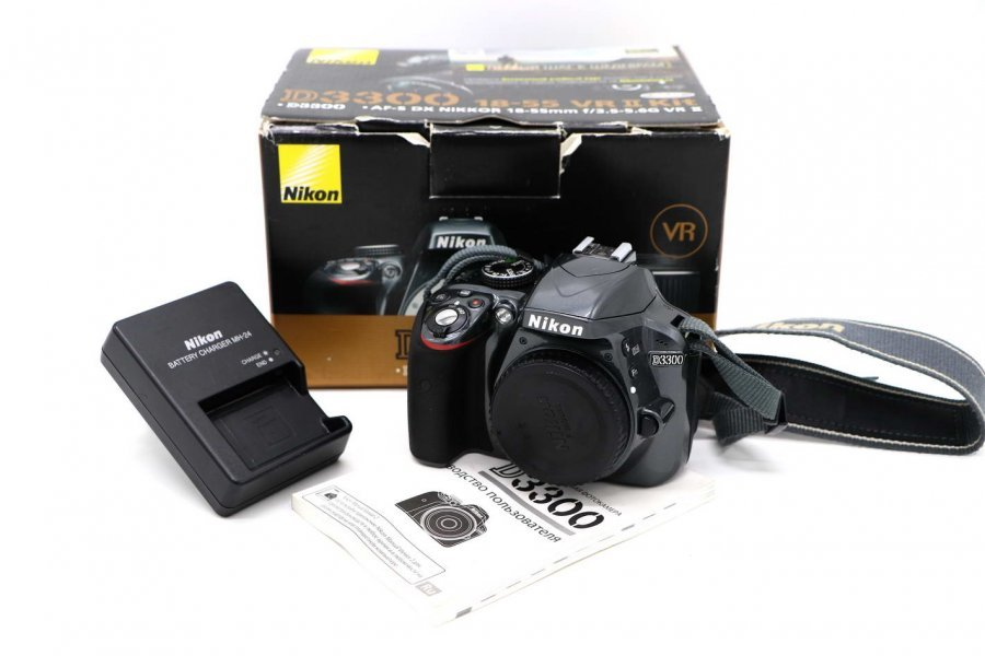 Nikon D3300 body в упаковке, пробег 9,5к кадров