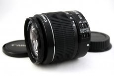 Canon zoom lens EF-S 18-55mm 3.5-5.6 IS II новый