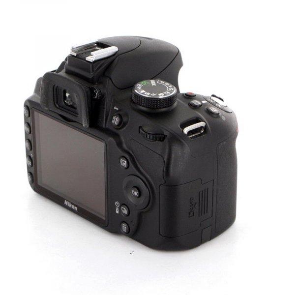 Nikon D3200 body б/у