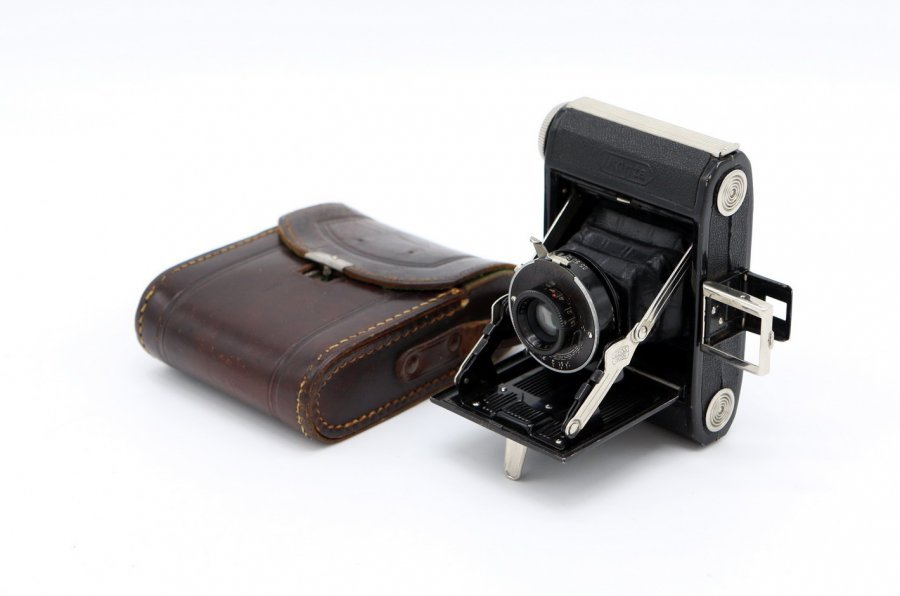 Zeiss Ikon Ikonta 520/18 (Germany, 1932)