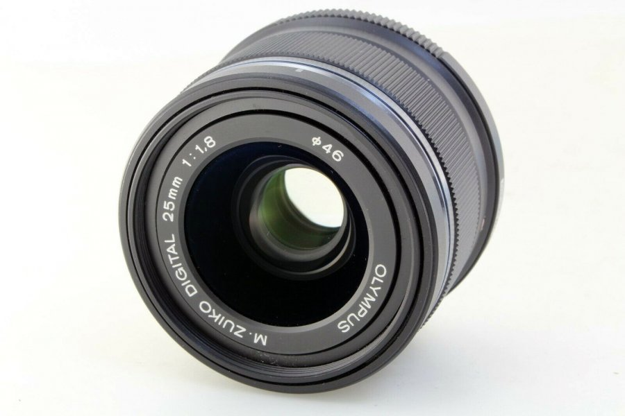 Olympus M.Zuiko 25mm f/1.8