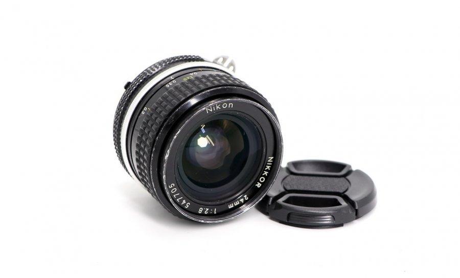Nikon 24mm f/2.8 Nikkor