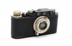 Leica II + Elmar 3.5/50mm (Germany, 1932)