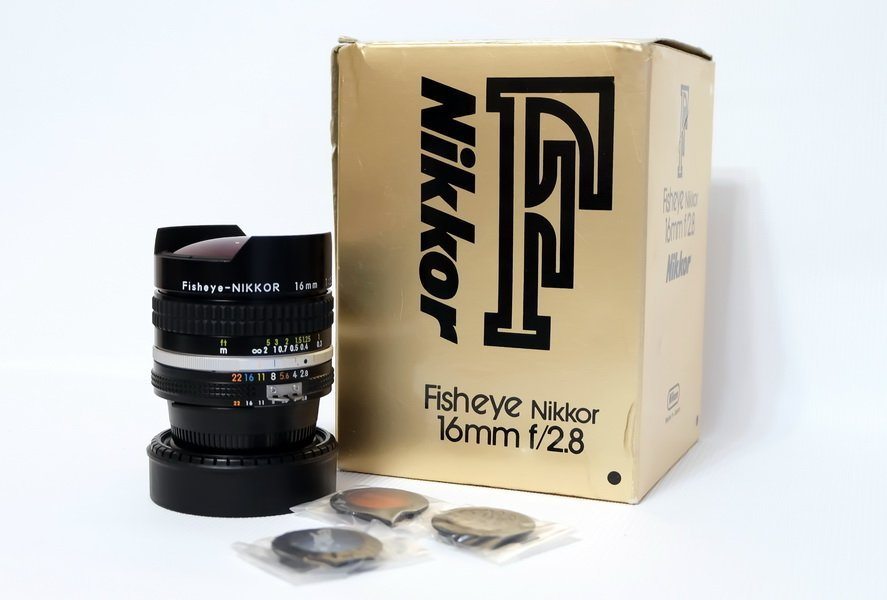 Nikon Fisheye-Nikkor 2.8/16mm (Made in Japan)