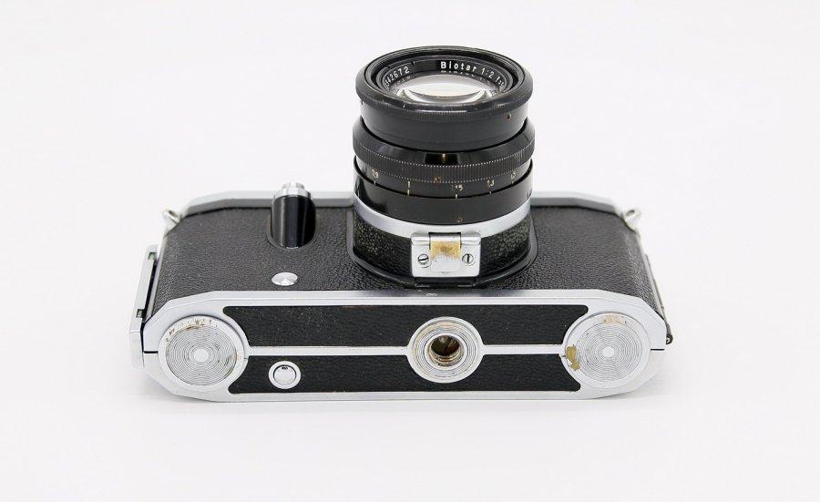 Contax S + Biotar T 2/58mm (Germany, 1953)