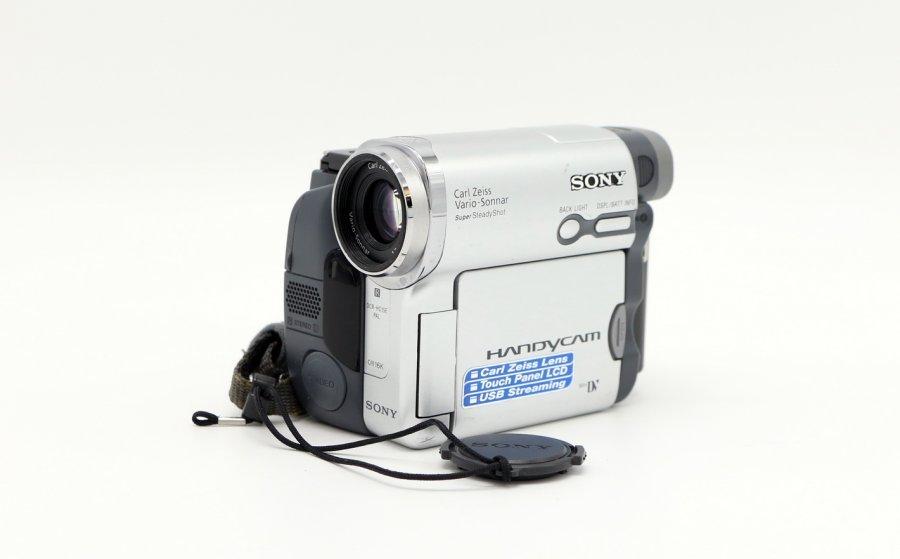 Видеокамера Sony DCR-HC15E