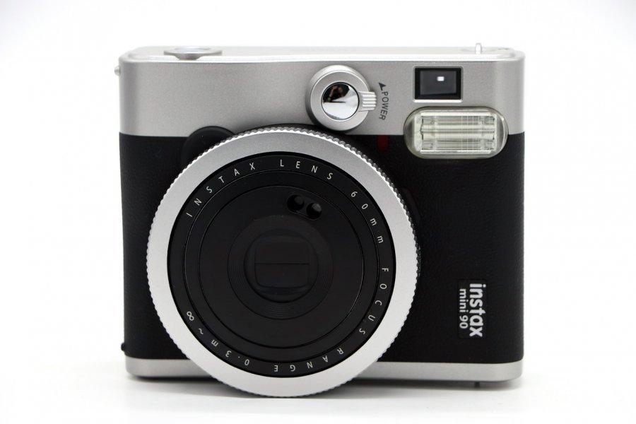 Fujifilm Instax mini 90 в упаковке