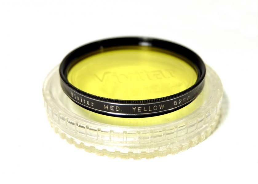 Светофильтр Vivitar Med Yellow 52mm K-2