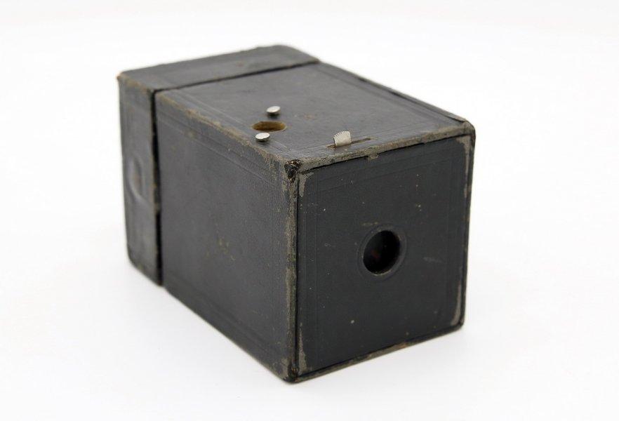 Kodak Brownie Camera (USA, 1900)