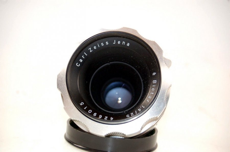 Biotar 1,4/25mm T Carl Zeiss Jena (Germany)