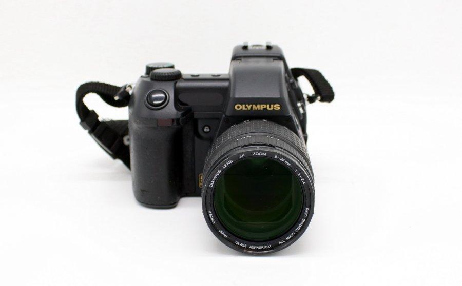 Olympus E-20 Camedia (Japan. 2002)