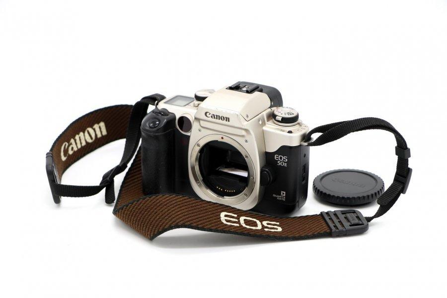 Canon EOS 50E body