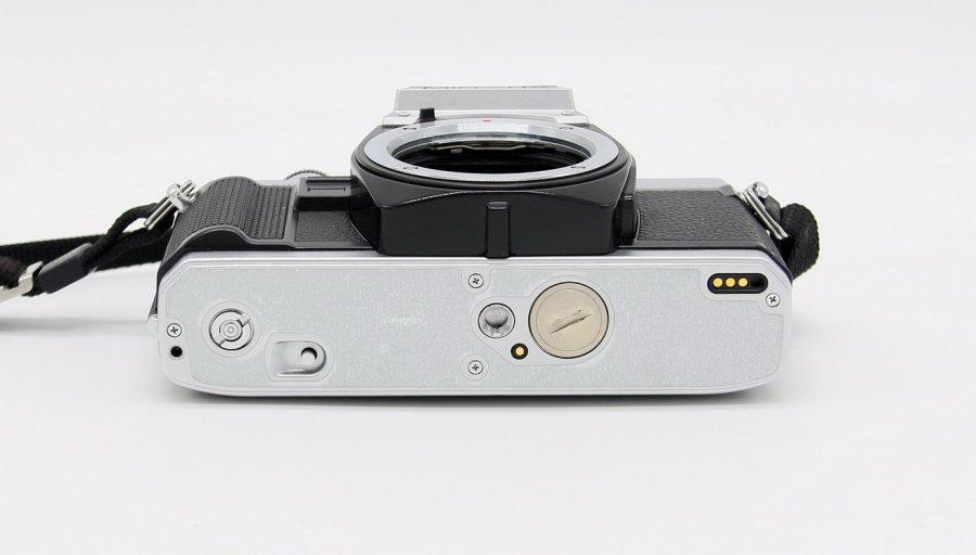 Minolta X-300 + Tokina SD 3,5-4,5/28-70mm (Japan)