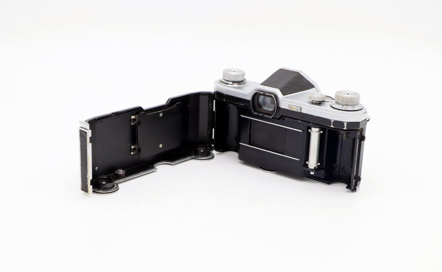 Contax S body (Germany, 1949)