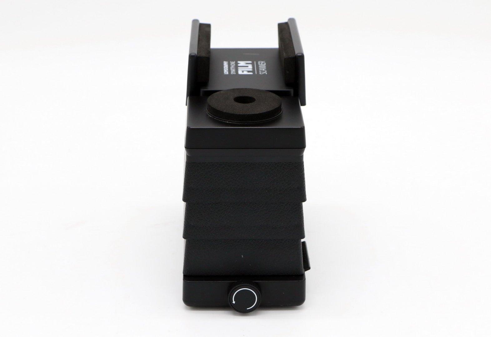 Контейнер для патронов из фотопленки месторождениями металлов