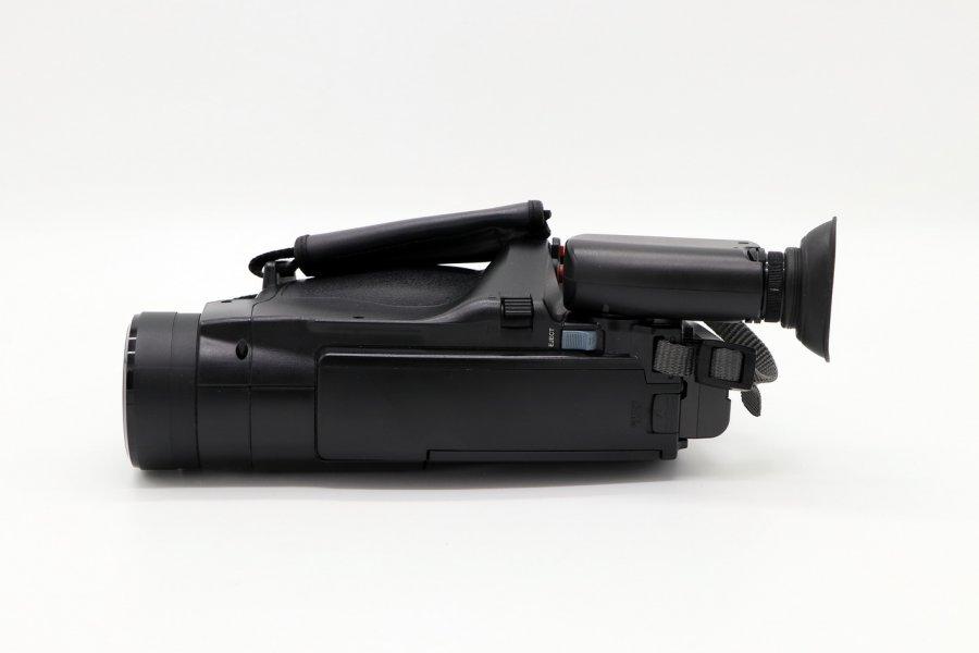 Видеокамера Hitachi VM-E340E