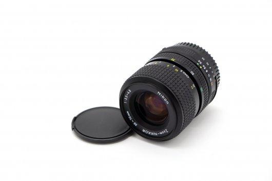 Nikon 35-70mm f/3.5-4.8 Zoom-Nikkor